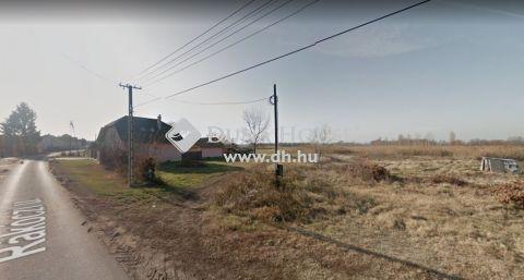 Eladó Telek, Létavértes - 2412 m2-es közművesített építési telek eladó