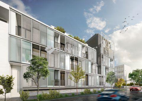 Petőfi térhez közeli új építésű társasház