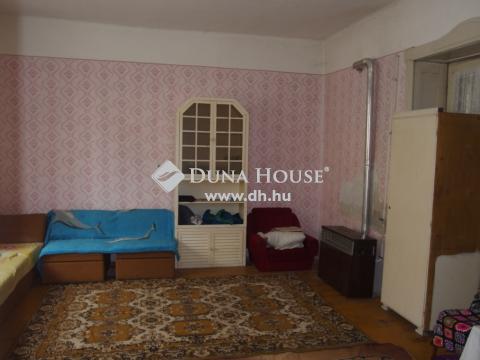 Eladó Ház, Bács-Kiskun megye, Kiskunfélegyháza - Leválasztott 3 szobás házrész a városközpontban