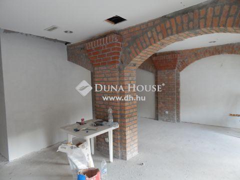 Eladó Lakás, Somogy megye, Balatonföldvár - 2.emeleti új kialakítású lakás