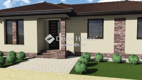 Eladó Ház, Bács-Kiskun megye, Kecskemét - Kecskeméttől pár percre - 114 nm-es nappali + 4 szobás új ház, telekkel !
