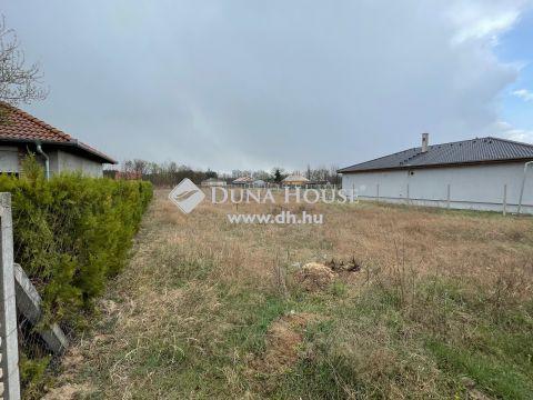 Eladó Telek, Bács-Kiskun megye, Kecskemét - Kadafalván 1691 m2-es 20%-ban beépíthető, zártkerti, összközműves építési telek