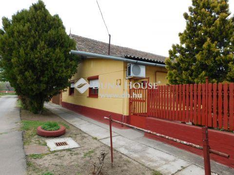 Eladó Ház, Jász-Nagykun-Szolnok megye, Kunszentmárton - 6 szobás ház 80 méterre a Körös partjától
