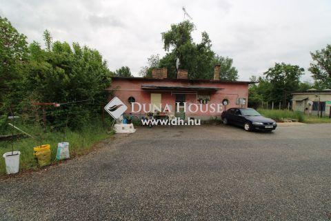 Eladó Lakás, Komárom-Esztergom megye, Komárom - Tégla építésű lakás, alacsony rezsivel