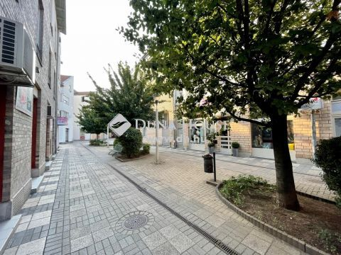 Kiadó Iroda, Bács-Kiskun megye, Kecskemét - BELVÁROSBAN a piac mellett KIADÓ iroda,rendelő + lakás - 117 nm