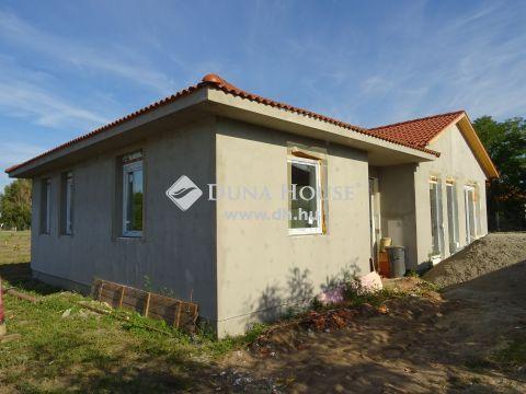 Eladó Ház, Bács-Kiskun megye, Kecskemét - Eladó 3 szobás családi ház Kadafalván
