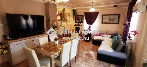 Eladó Ház, Bács-Kiskun megye, Kecskemét - Kis telken nappali + 3 szobás tégla ház ELADÓ